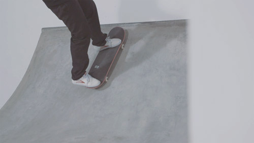 Skateboard Trick Pivot to Fakie Feet Position