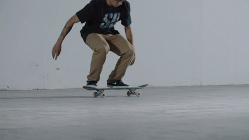 Skateboard Trick Switch Kickflip/ Switch Heelflip Position des Pieds