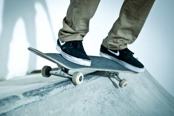 015689da870a How to: Axle Stall & BS 50-50 - Skateboard Trick Tip | skatedeluxe Blog