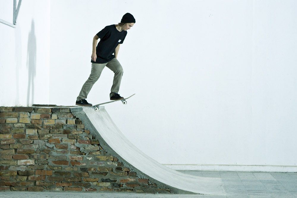 Comment faire le drop in skateboard trick tip skatedeluxe blog - Comment faire du skateboard ...