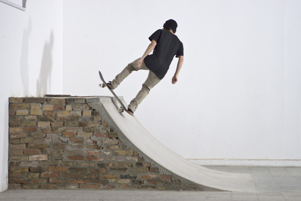 Skateboard Trick Rock to Fakie