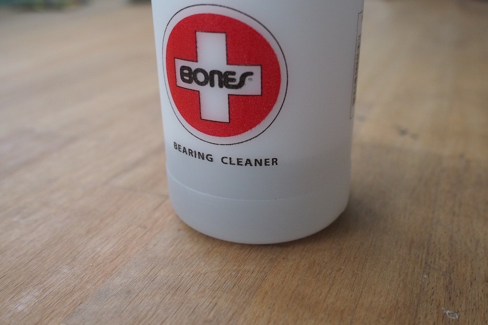 How to clean your bearings - step 3: Fill unit with cleaning solution & shake