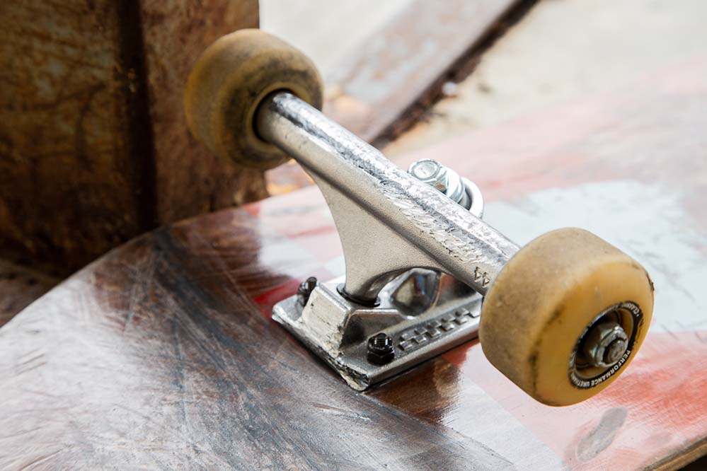 ACE Skateboard Trucks Skate Test - ACE 44 Classic Review